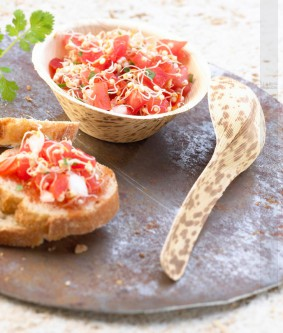 photographie Salade tomate et graines germées